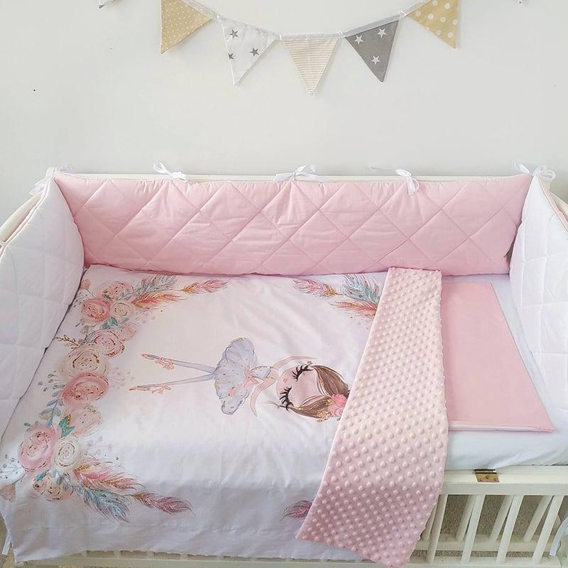 Бортик в ліжечко новонародженій дівчинці Аврора